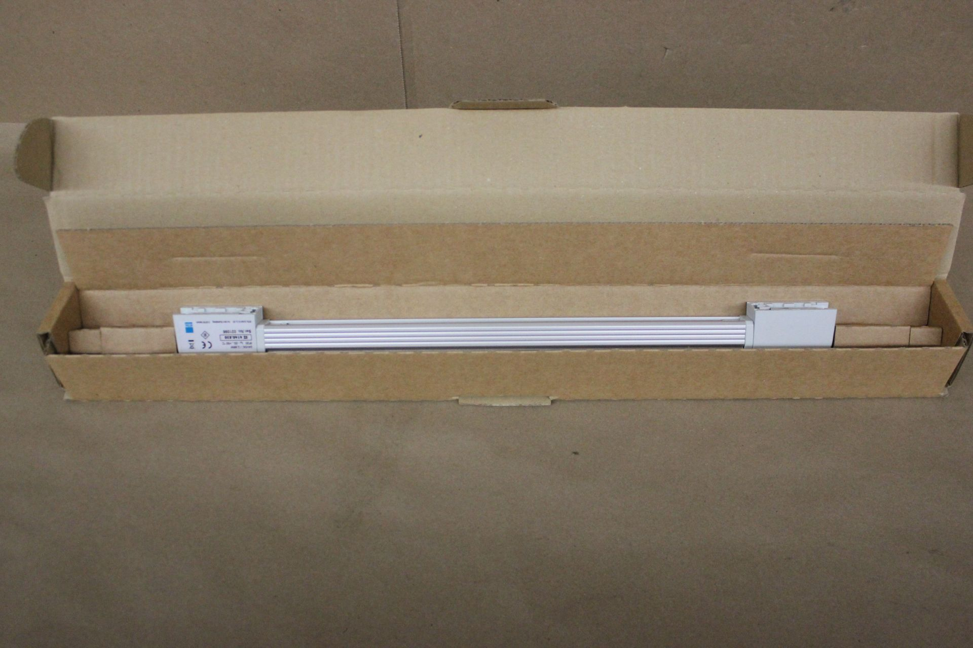 NEW RITTAL CABINET LED COMPACT LIGHT SYSTEM - Image 3 of 5