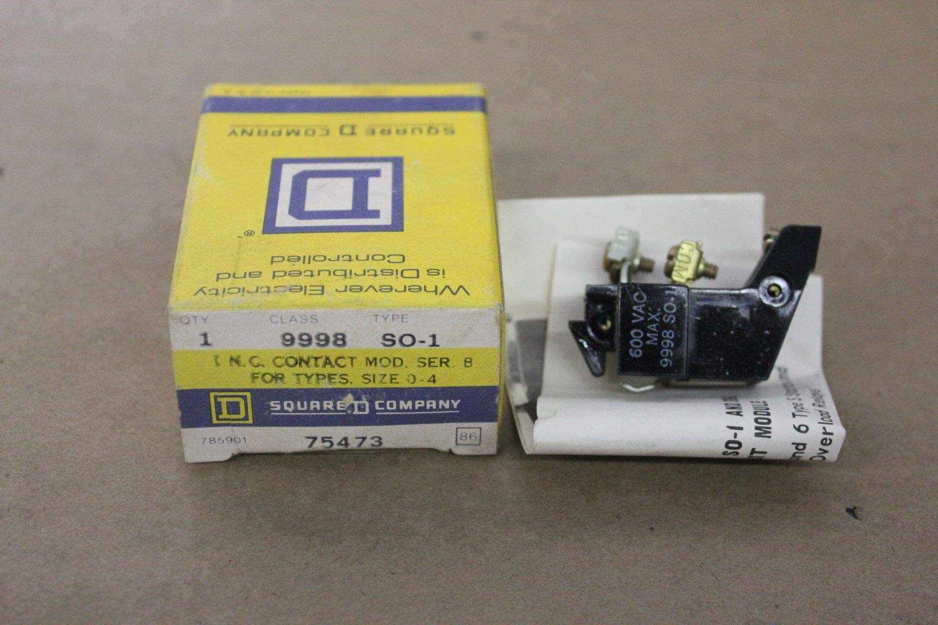 NEW SQUARE D CONTACT MODULE