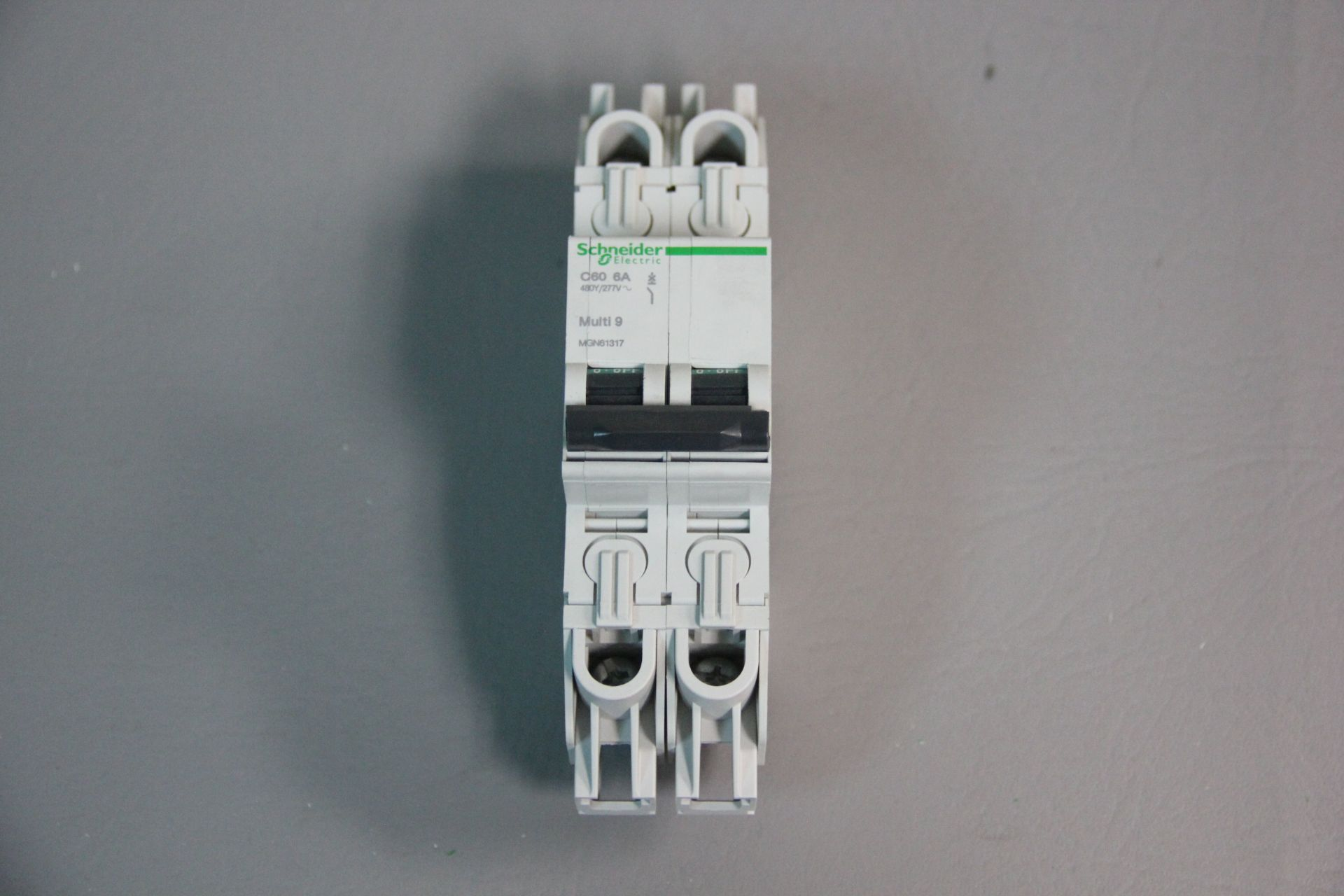 NEW SCHNEIDER MULTI 9 CIRCUIT BREAKER - Image 4 of 4