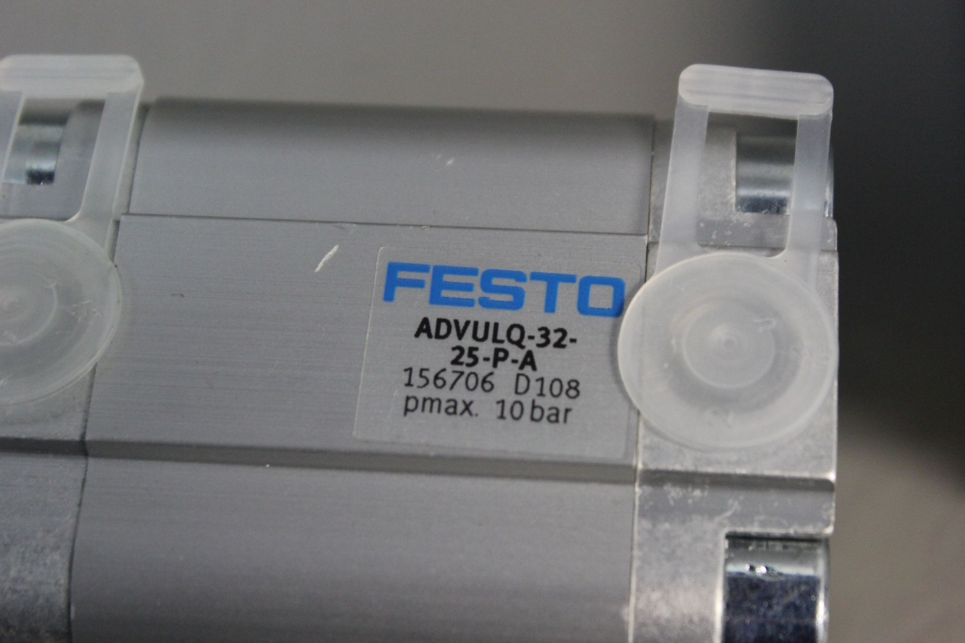 LOT OF 2 NEW FESTO PNEUMATIC CYLINDERS - Image 2 of 5