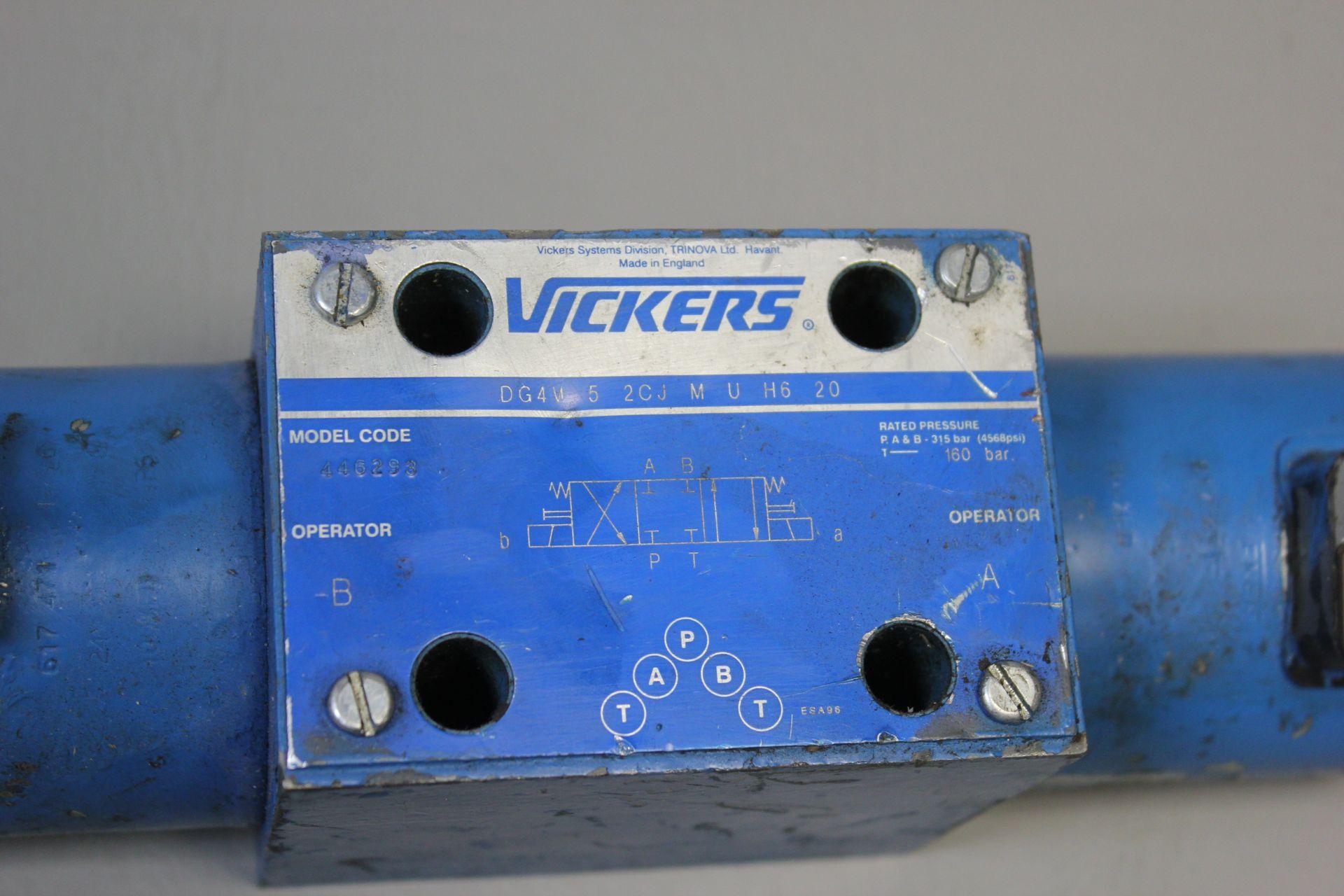 VICKERS HYDRAULIC VALVE - Image 2 of 4