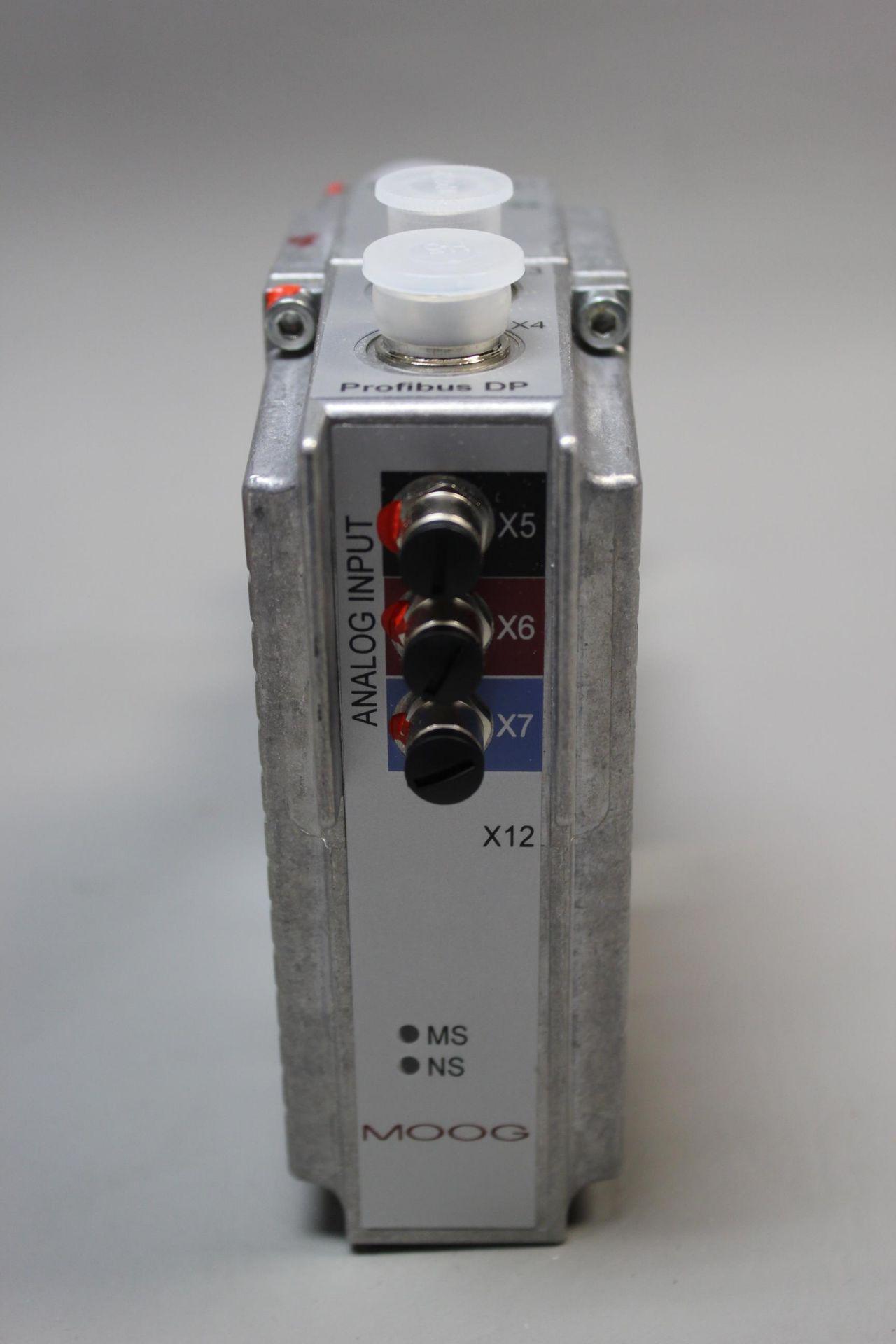 NEW MOOG DIRECT DRIVE DIGITAL CONTROL HYDRAULIC SERVO VALVE - Image 9 of 12
