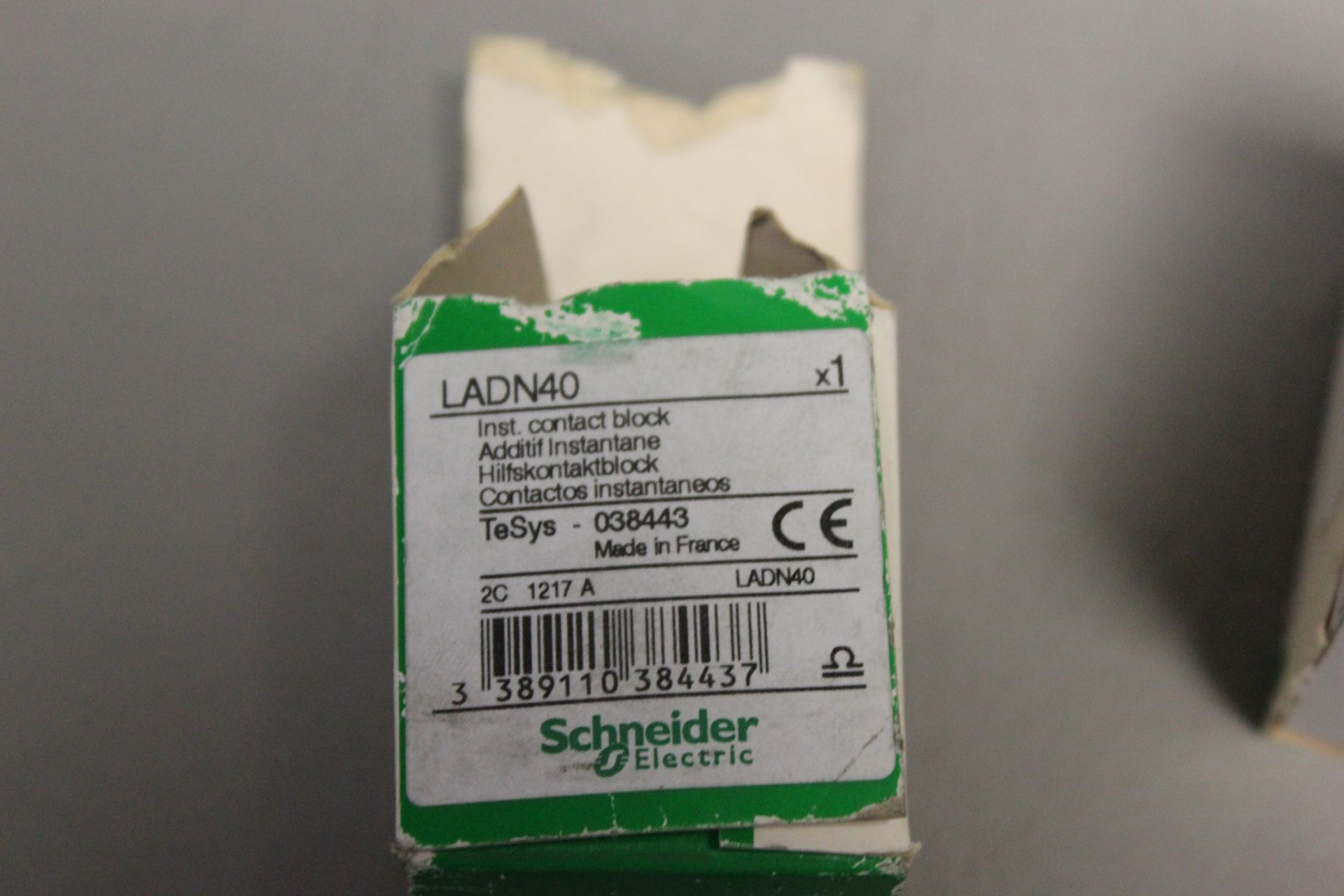 LOT OF NEW SCHNEIDER ELECTRIC PARTS - Image 3 of 3