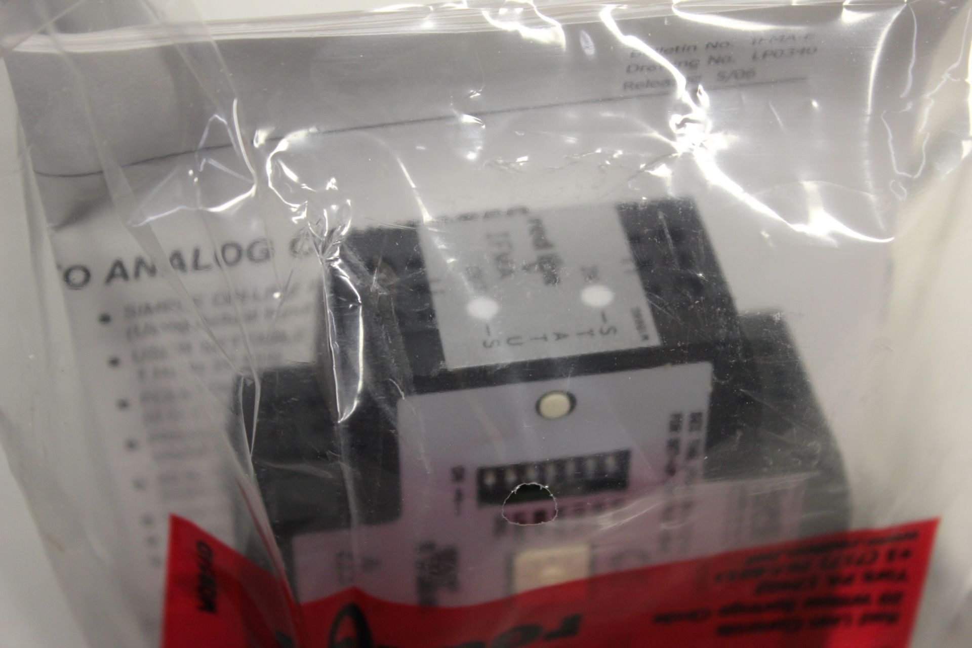NEW RED LION FREQUENCY TO ANALOG CONVERTER - Image 6 of 8