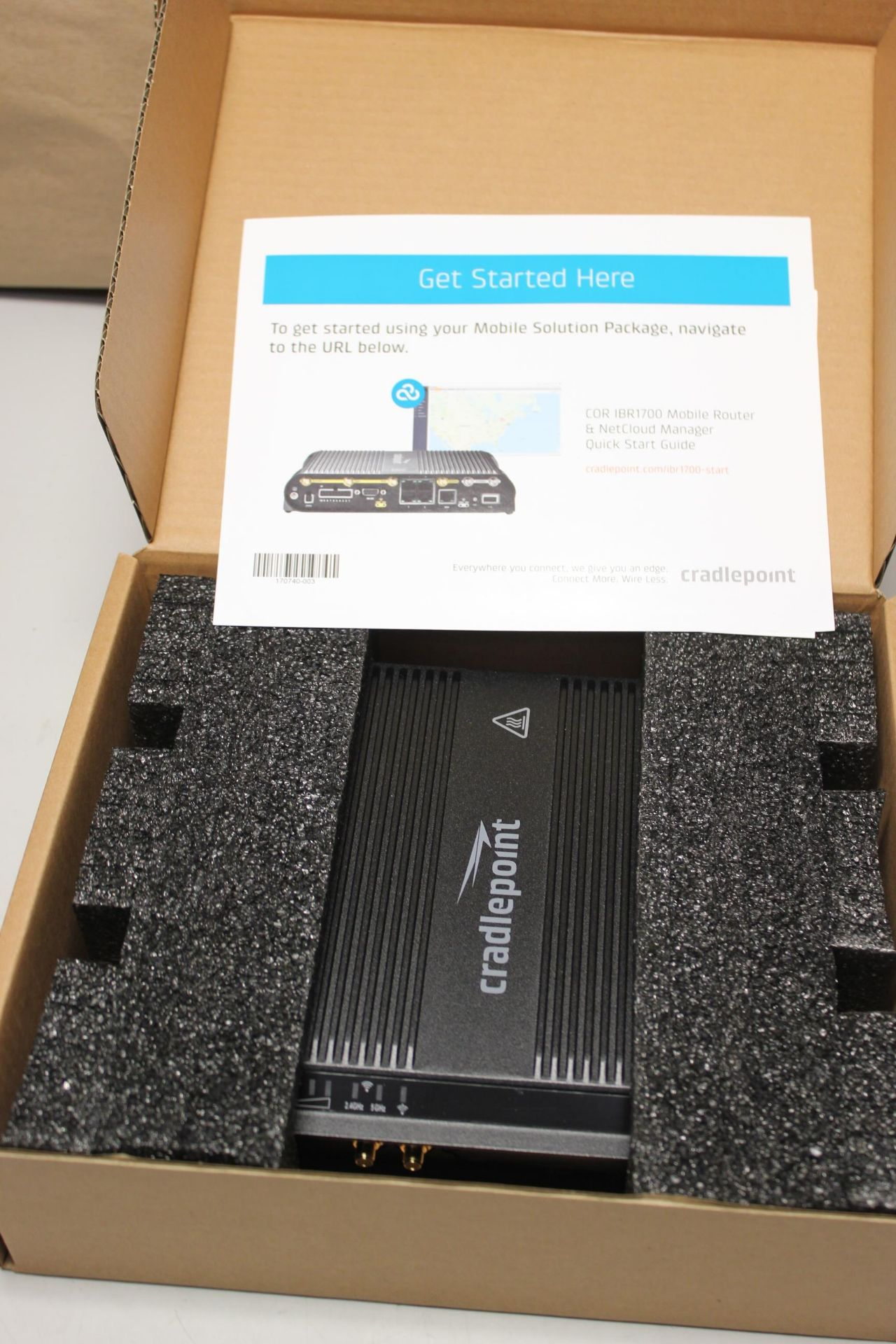 NEW CRADLEPOINT COR SERIES ROUTER - Image 3 of 8