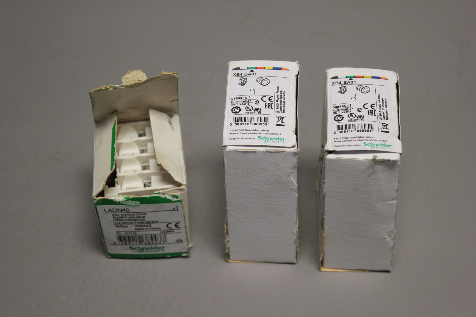 LOT OF NEW SCHNEIDER ELECTRIC PARTS