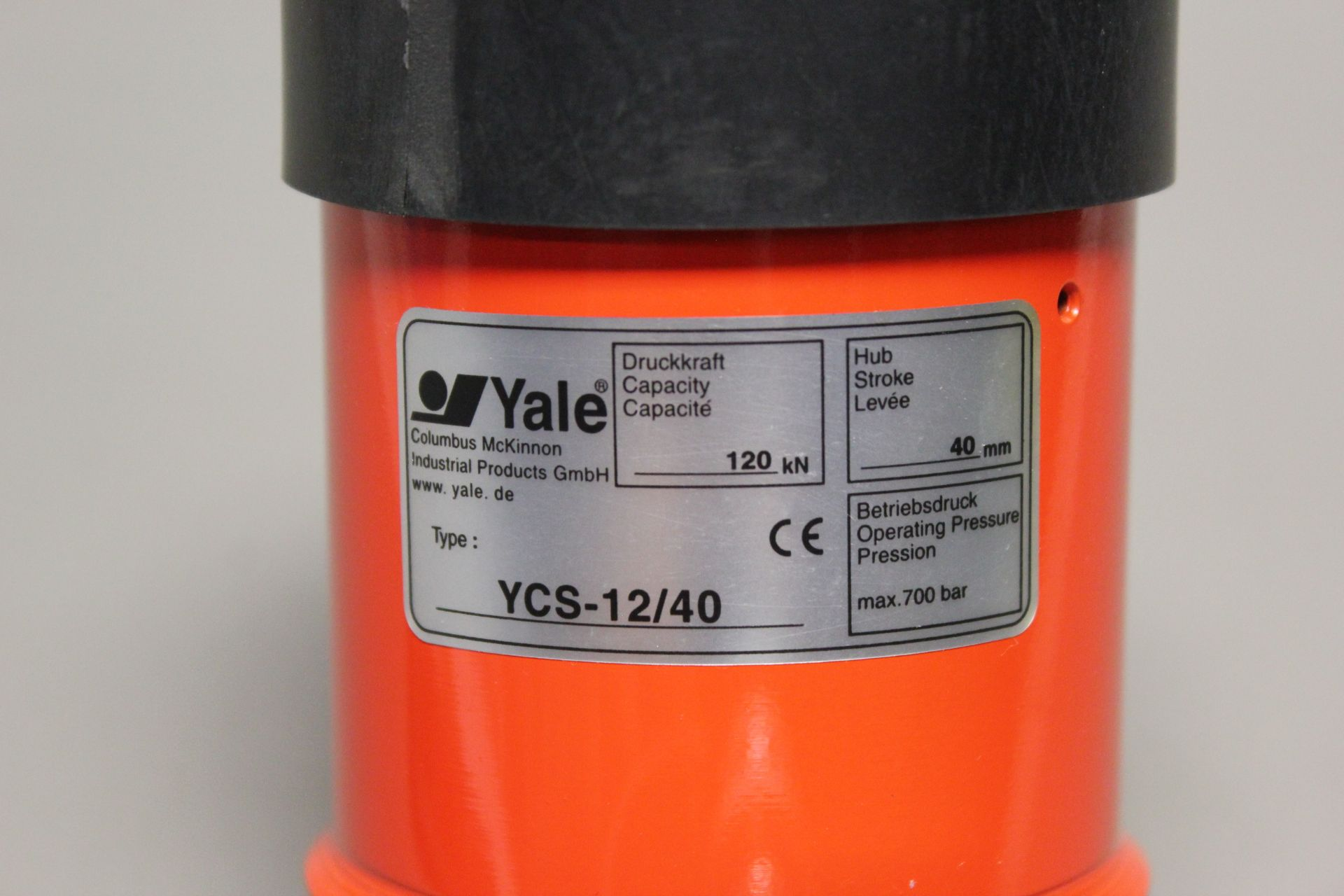 NEW YALE HOLLOW HYDRAULIC CYLINDER - Image 3 of 4