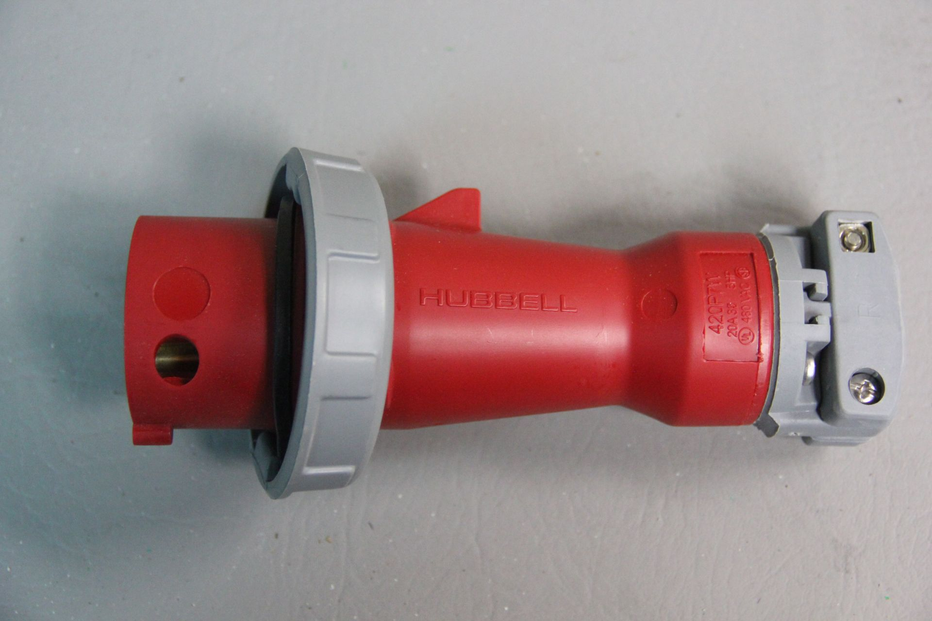 NEW HUBBELL PIN & SLEEVE WATERTIGHT ELECTRICAL PLUG - Image 3 of 4
