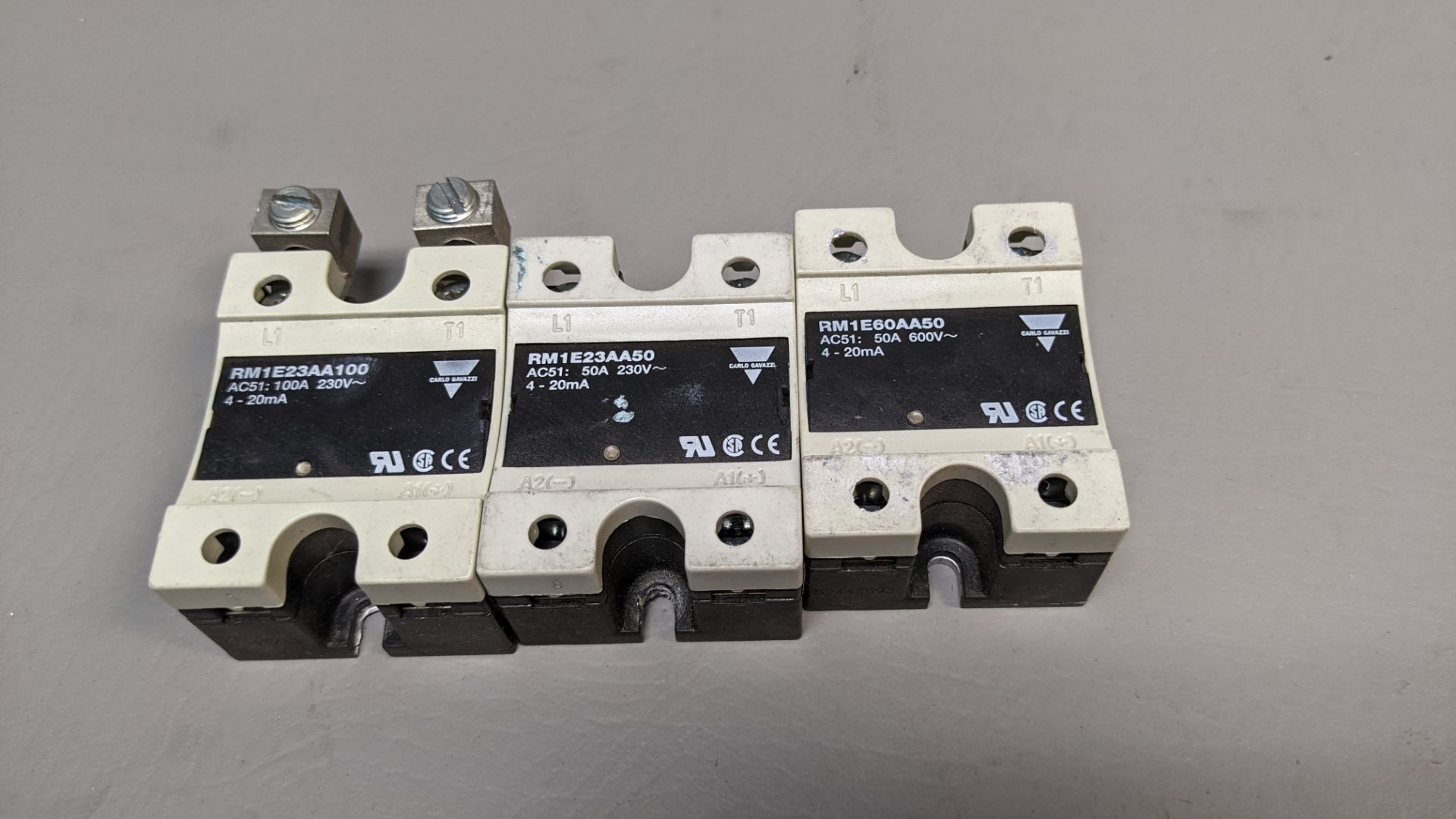 LOT OF CARLO GAVAZZI SOLID STATE RELAYS