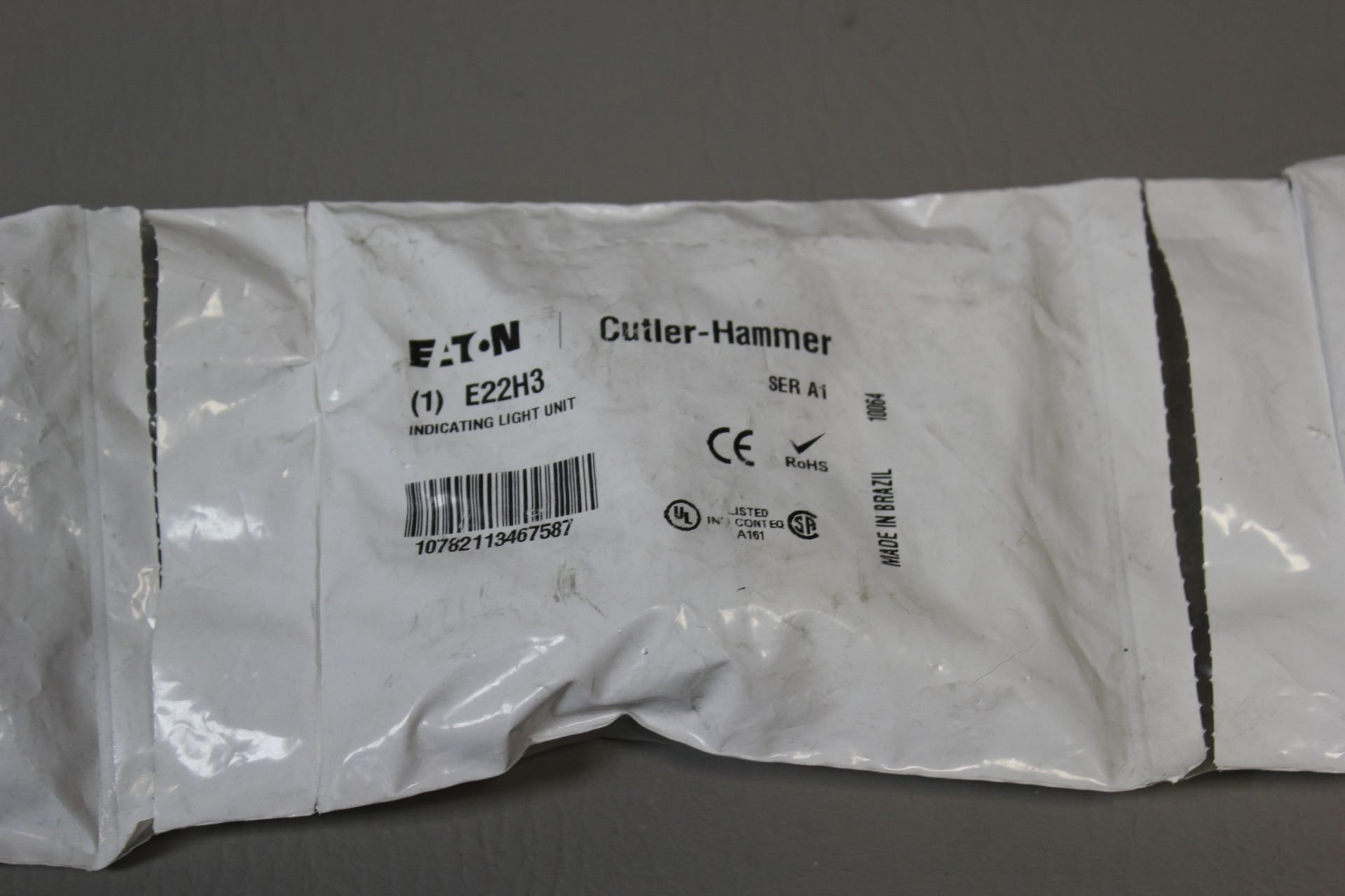 LOT OF NEW CUTLER HAMMER INDICATING LIGHT UNITS - Image 2 of 3