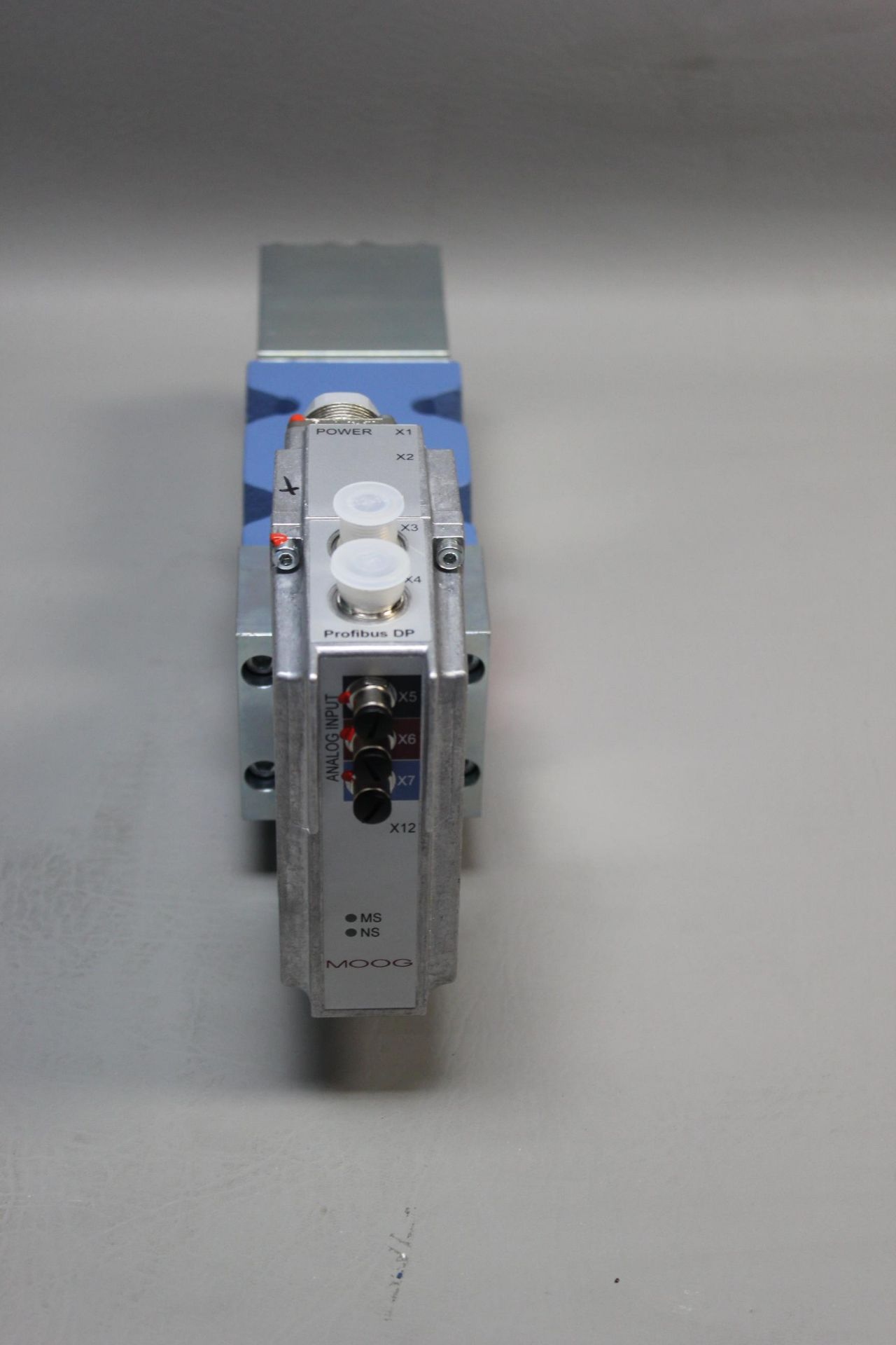 NEW MOOG DIRECT DRIVE DIGITAL CONTROL HYDRAULIC SERVO VALVE - Image 9 of 15