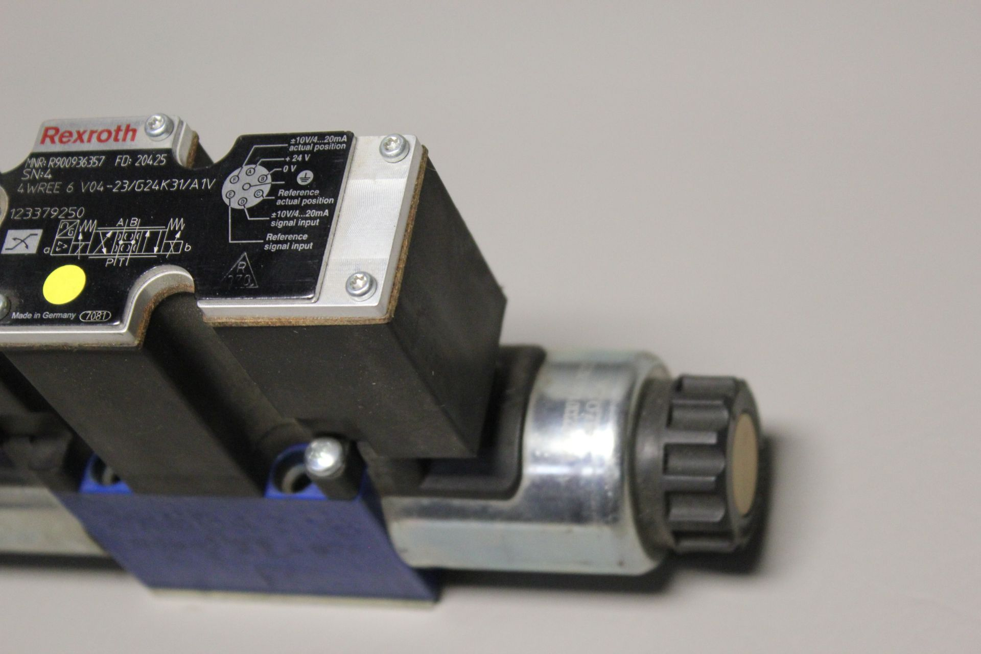 NEW REXROTH HYDRAULIC PROPORTIONAL VALVE - Image 4 of 6