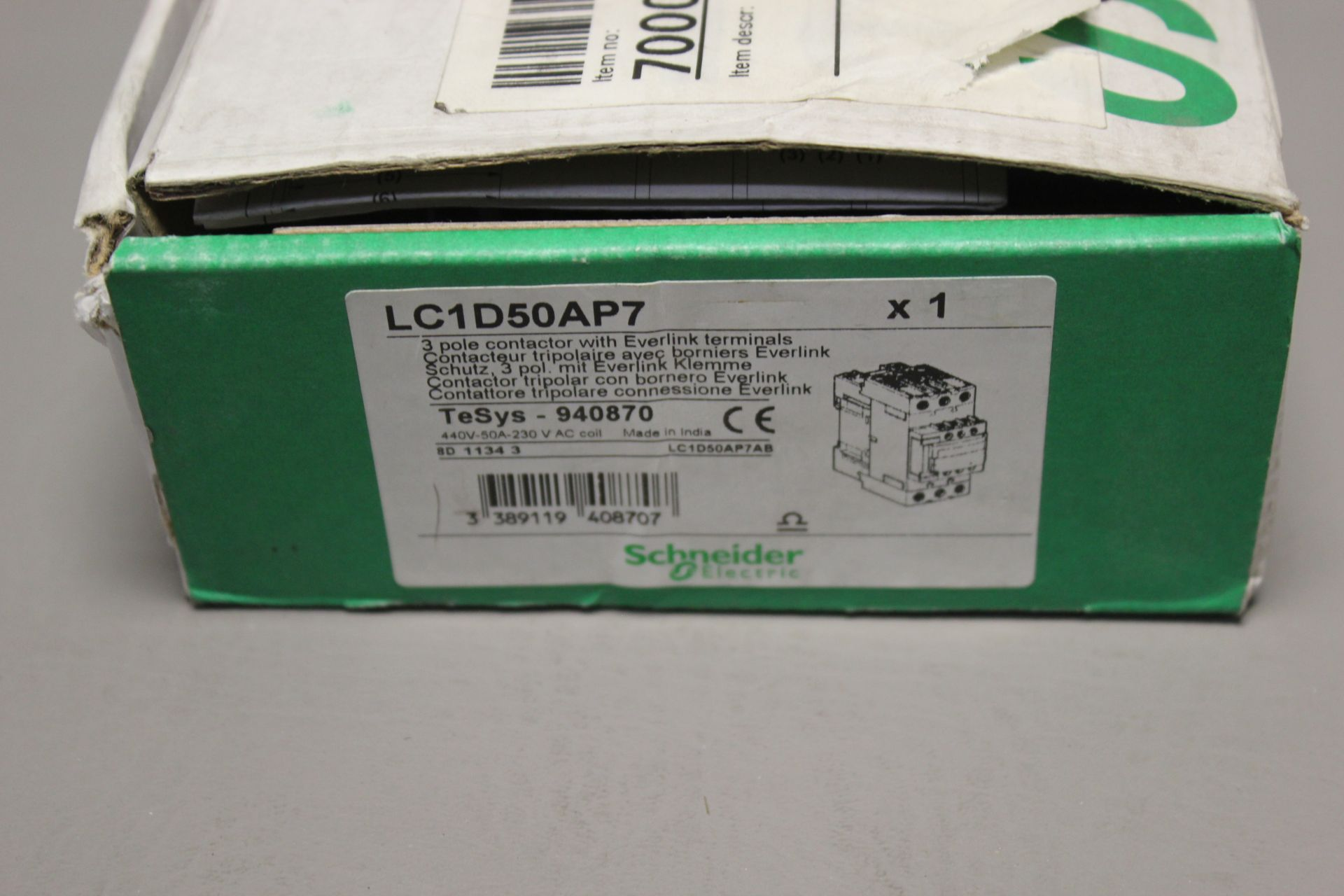 NEW SCHNEIDER 3 POLE CONTACTOR - Image 2 of 6