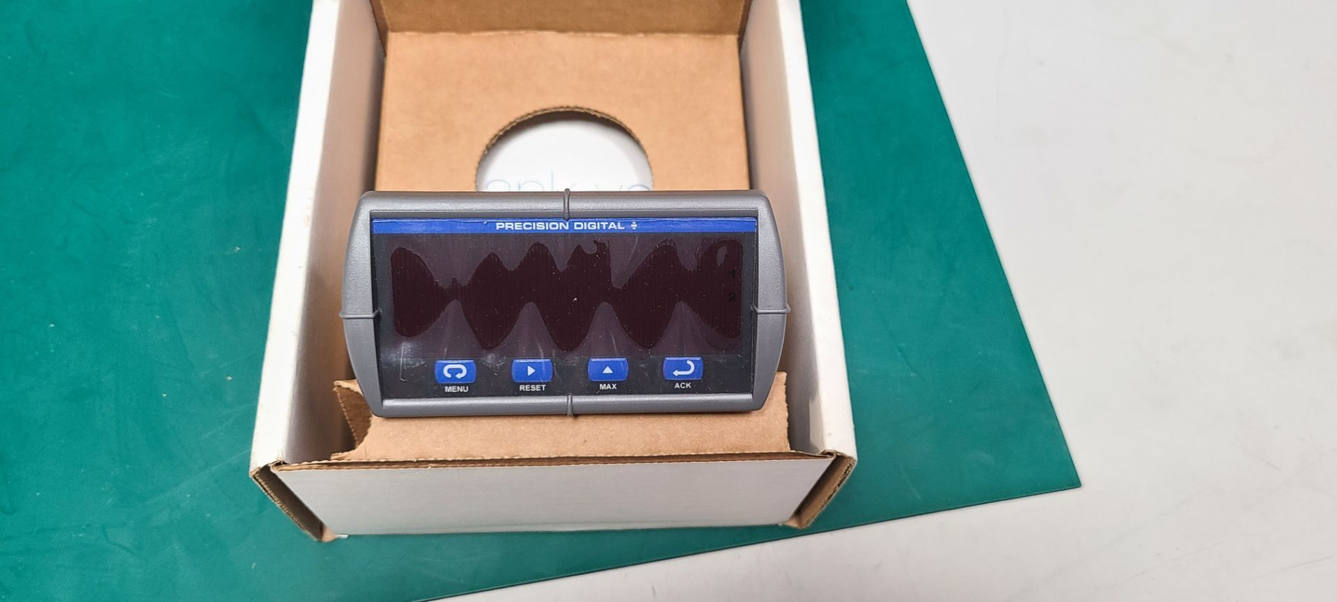 NEW PRECISION DIGITAL TRIDENT METER - Image 3 of 3