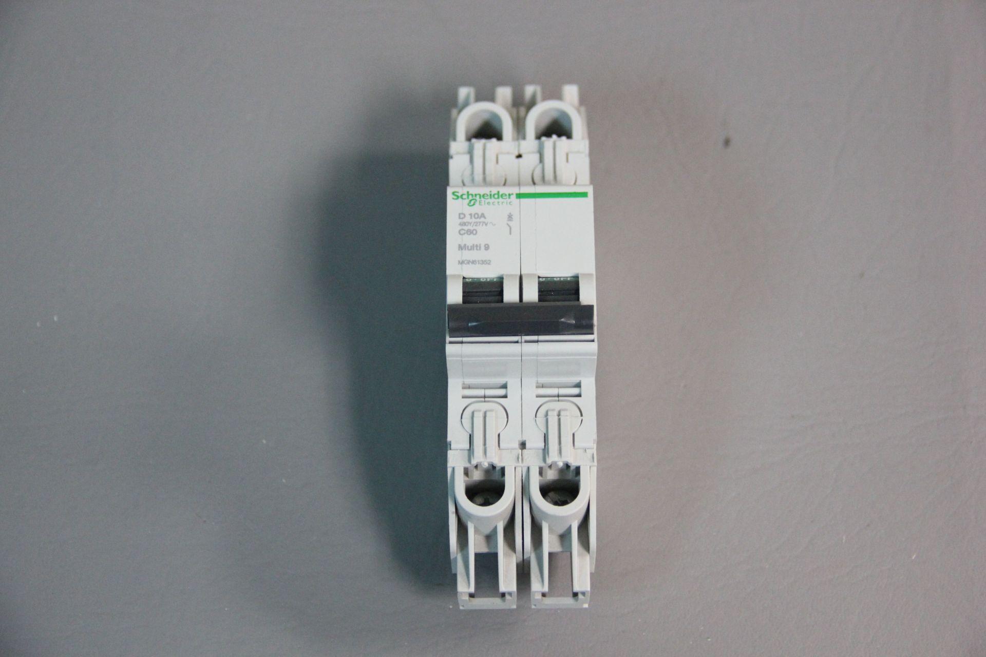 NEW SCHNEIDER MULTI 9 CIRCUIT BREAKER - Image 3 of 4