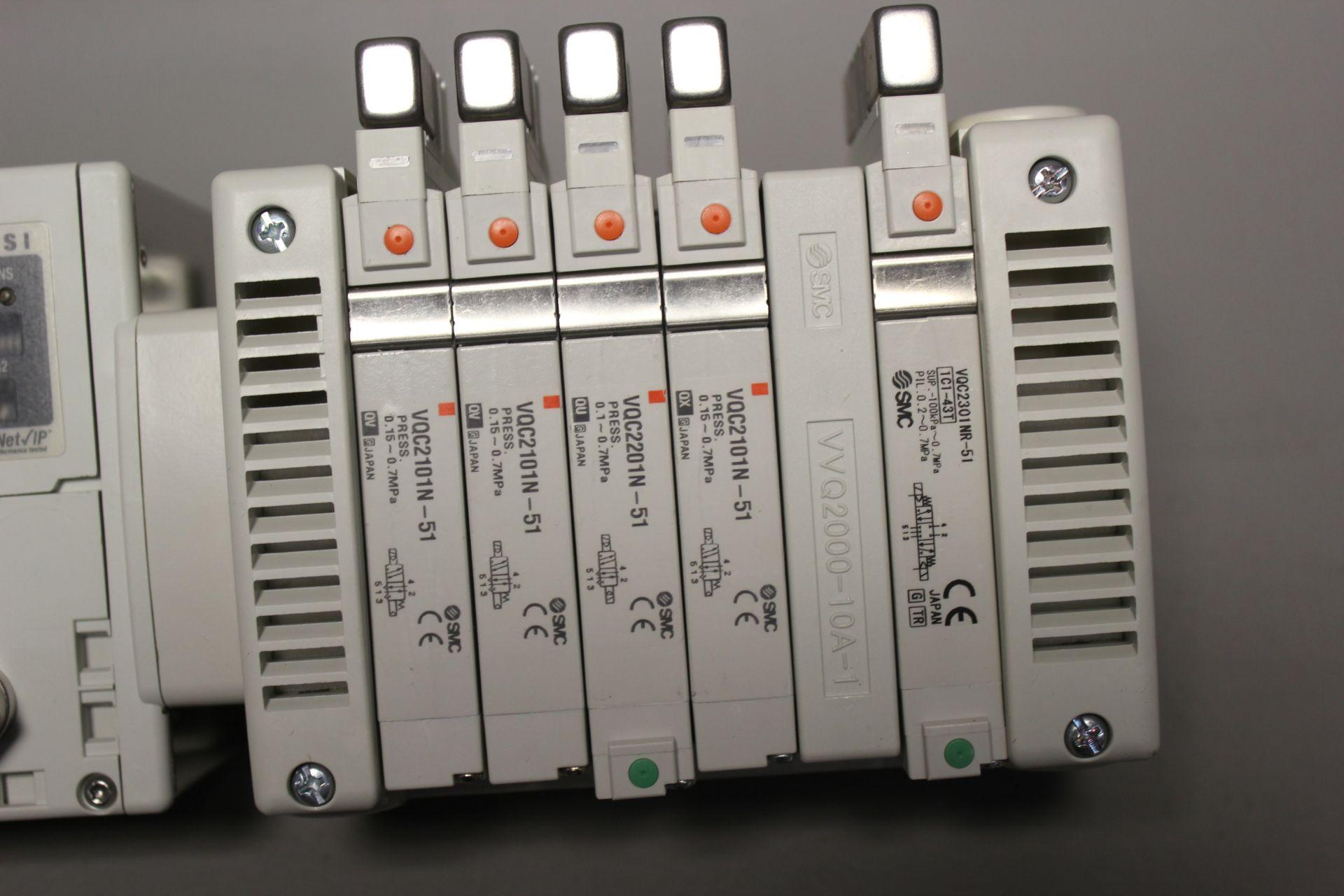 NEW SMC MANIFOLD WITH SOLENOID VALVES, ETHERNET/IP I/O - Image 2 of 8