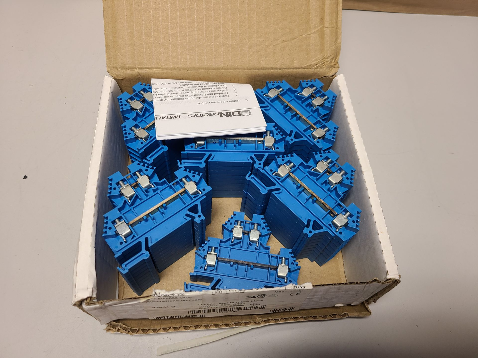 LOT OF NEW DINNECTORS DOUBLE LEVEL TERMINAL BLOCKS - Image 3 of 3