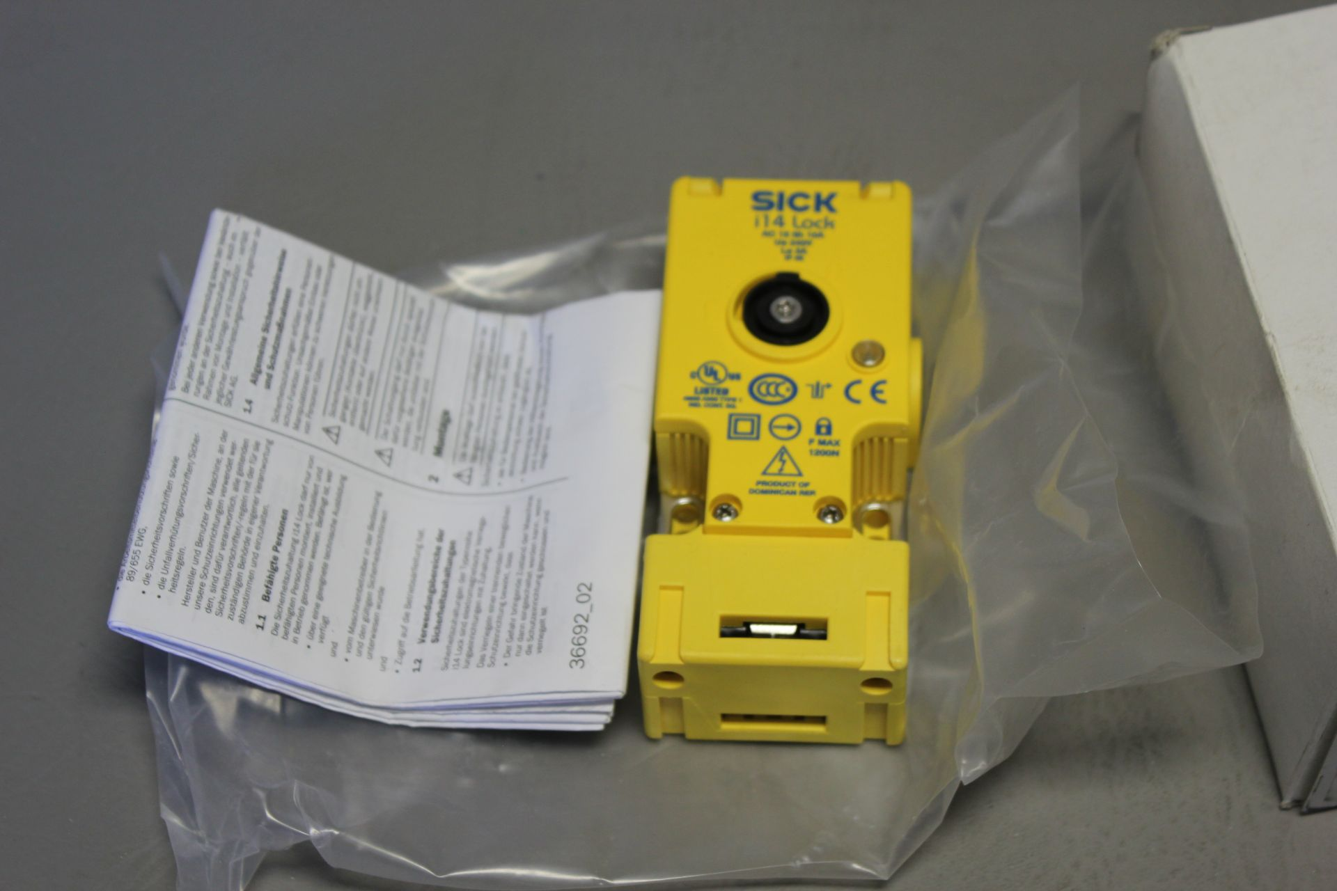 NEW SICK i14 SAFETY SWITCH - Image 3 of 5