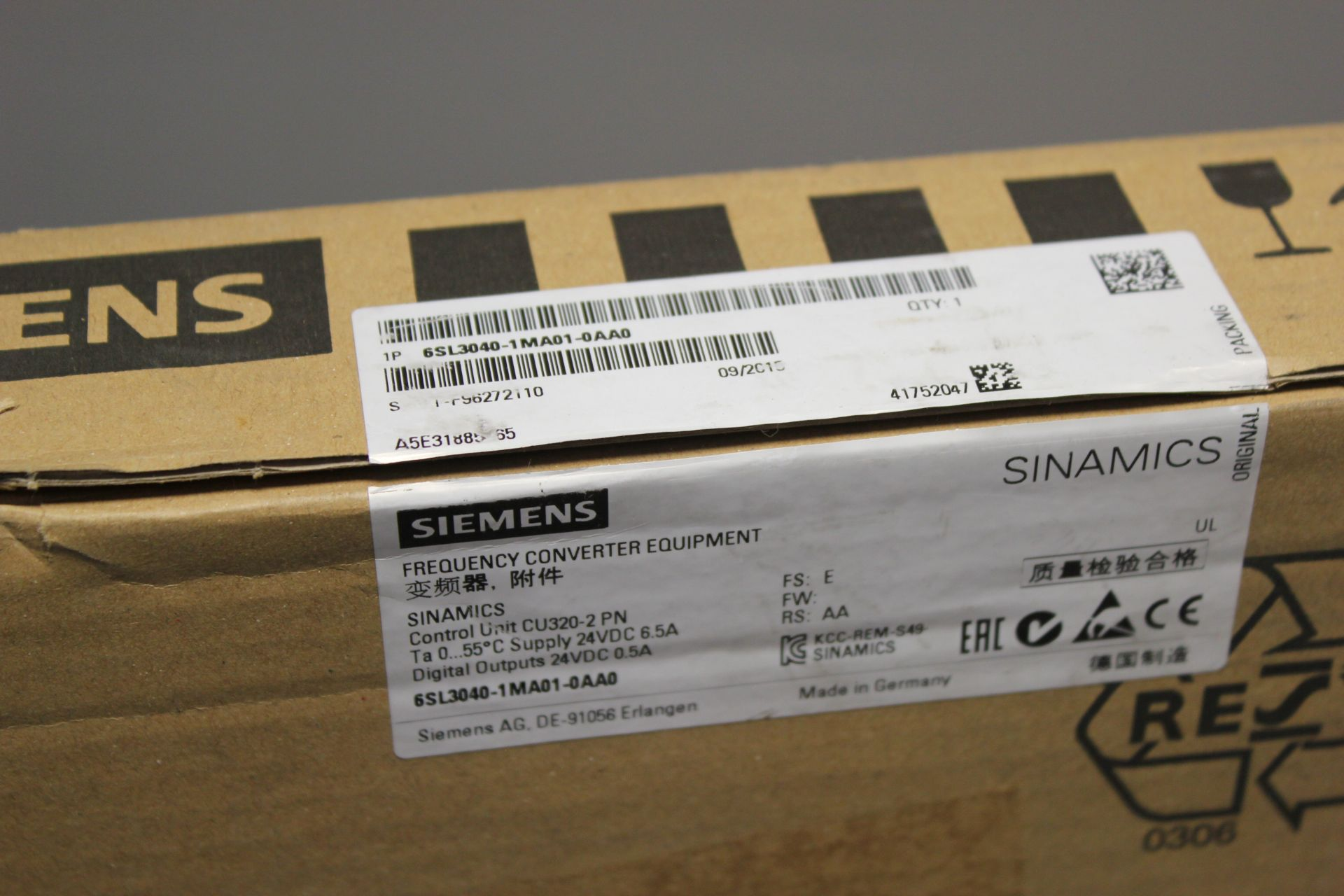 NEW SIEMENS SINAMICS FREQUENCY CONVERTER CONTROL UNIT - Image 3 of 6