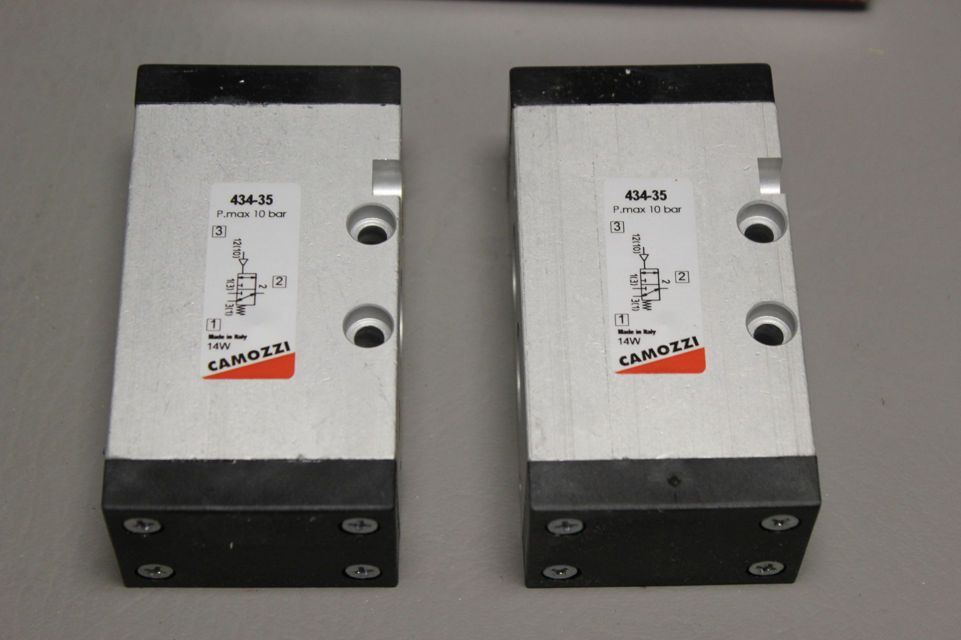LOT OF NEW CAMOZZI SOLENOID VALVES - Image 3 of 3