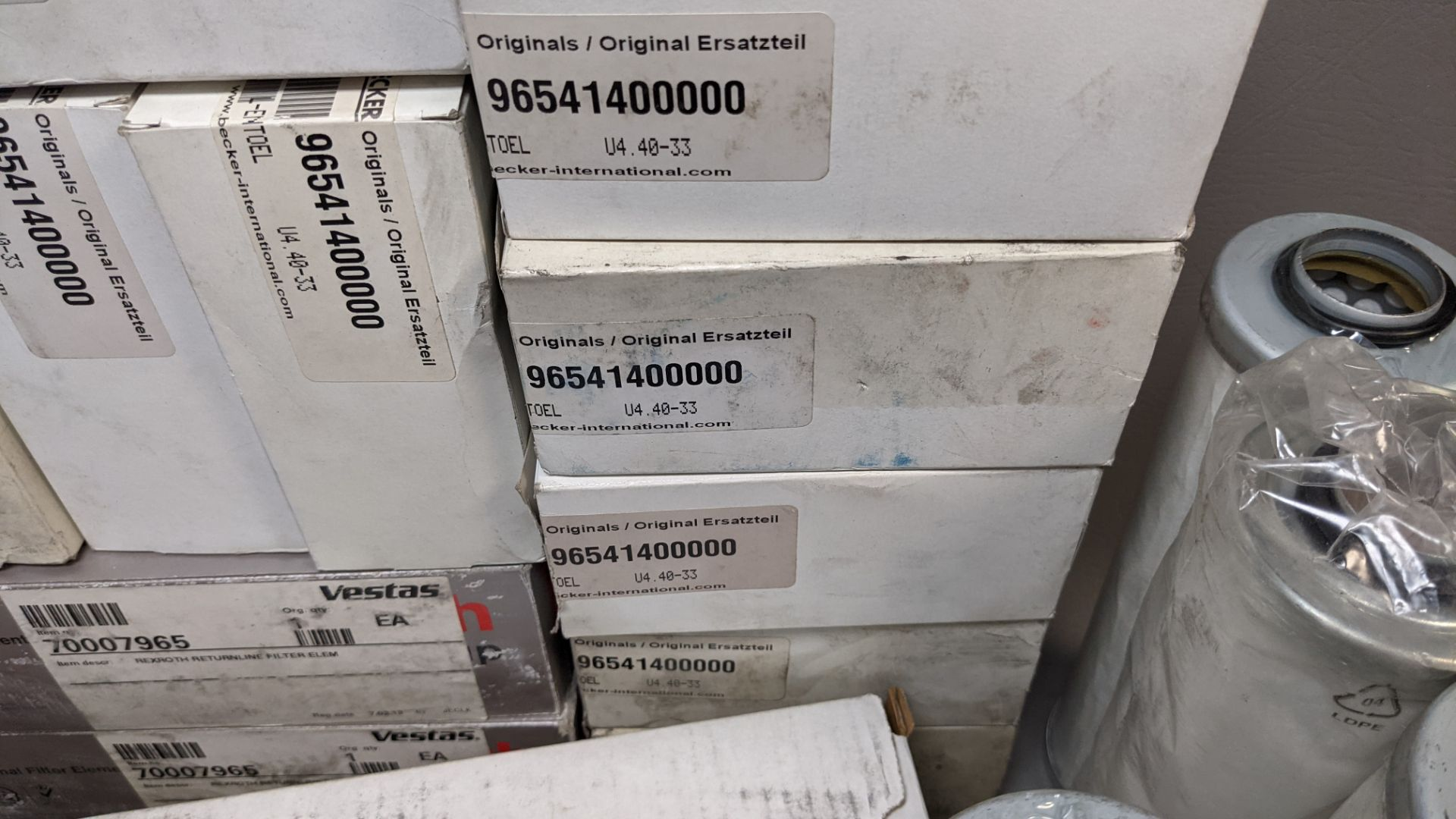 LARGE LOT OF VARIOUS NEW INDUSTRIAL FILTERS - Image 11 of 14