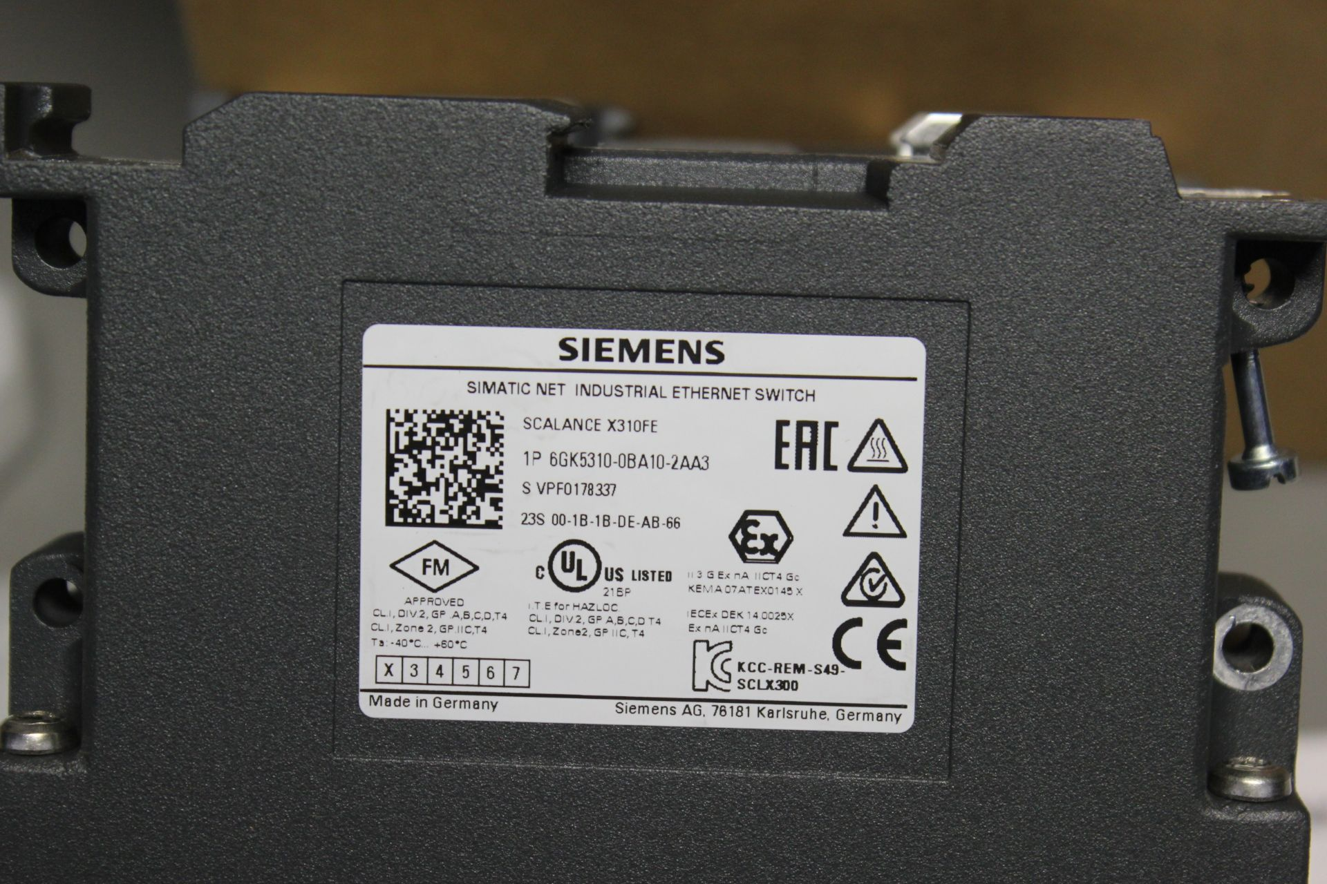 NEW SIEMENS SCALANCE MANAGED INDUSTRIAL ETHERNET SWITCH - Image 7 of 7