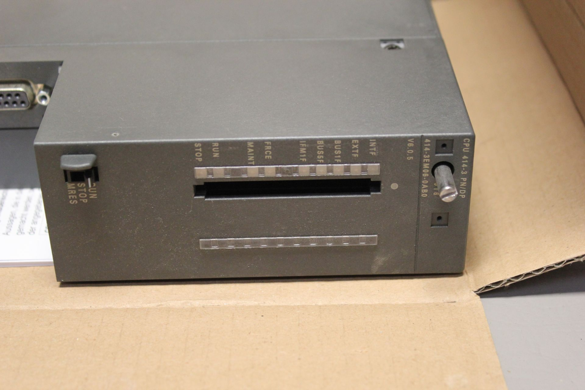 NEW SIEMENS SIMATIC S7-400 PLC CPU PROCESSOR - Image 5 of 8