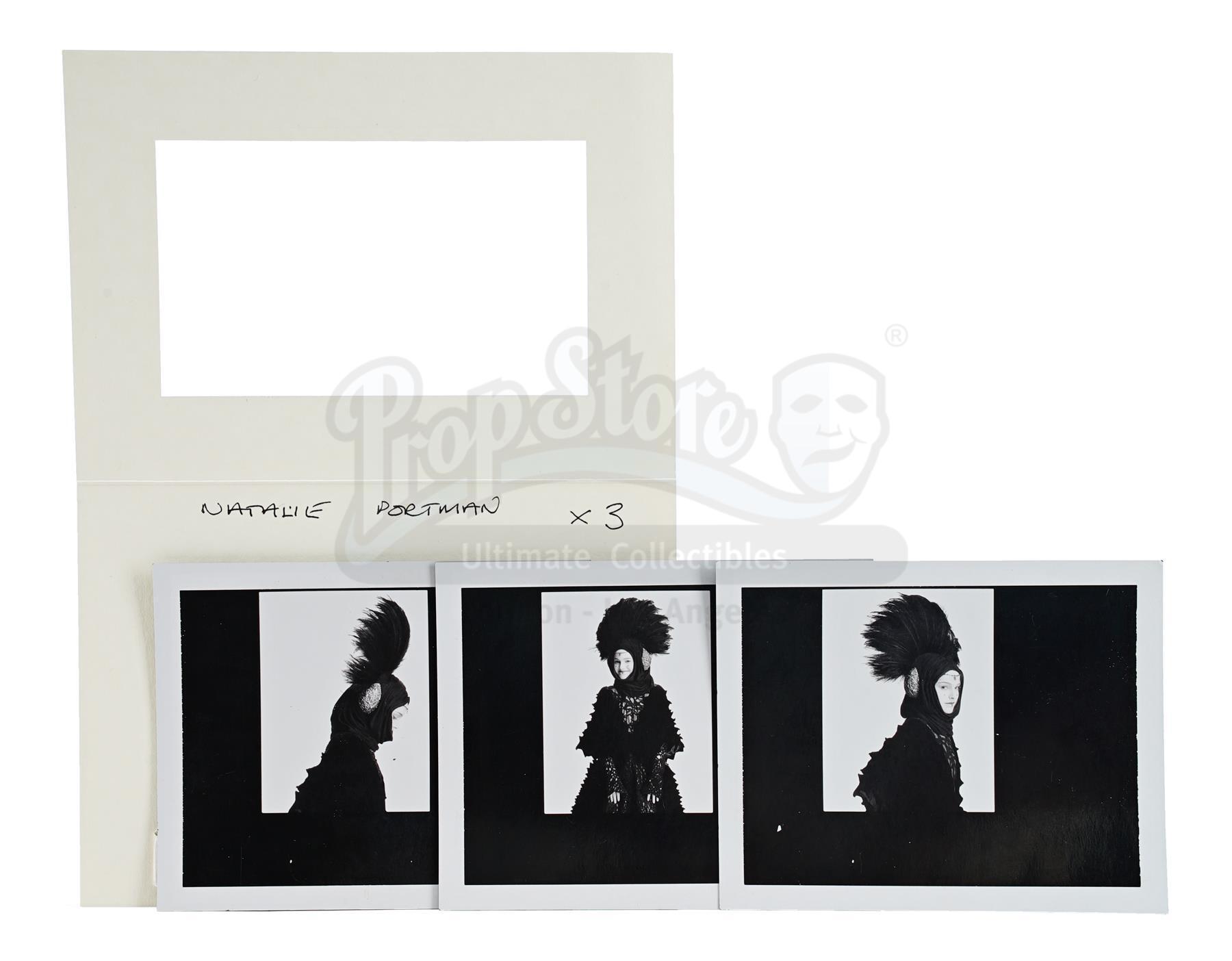Lot # 1126: STAR WARS - EP I - THE PHANTOM MENACE - Padme Amidala's (Natalie Portman) Travel Dress T