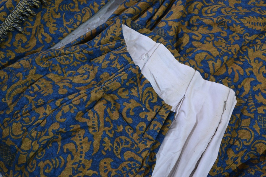 A quantity of lined curtains. - Image 2 of 3
