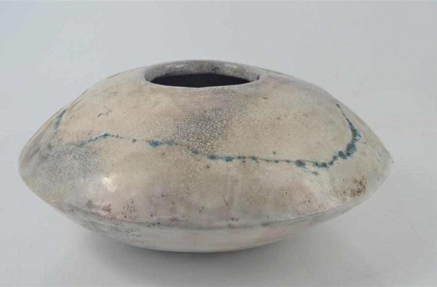 """A Studio ware """" spaceship"""" vase 29cm diameter"""