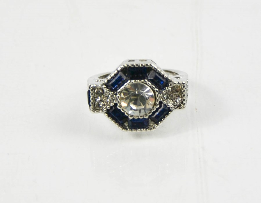 A blue hexagonal form dress ring, size L, 6.52g. - Image 3 of 3