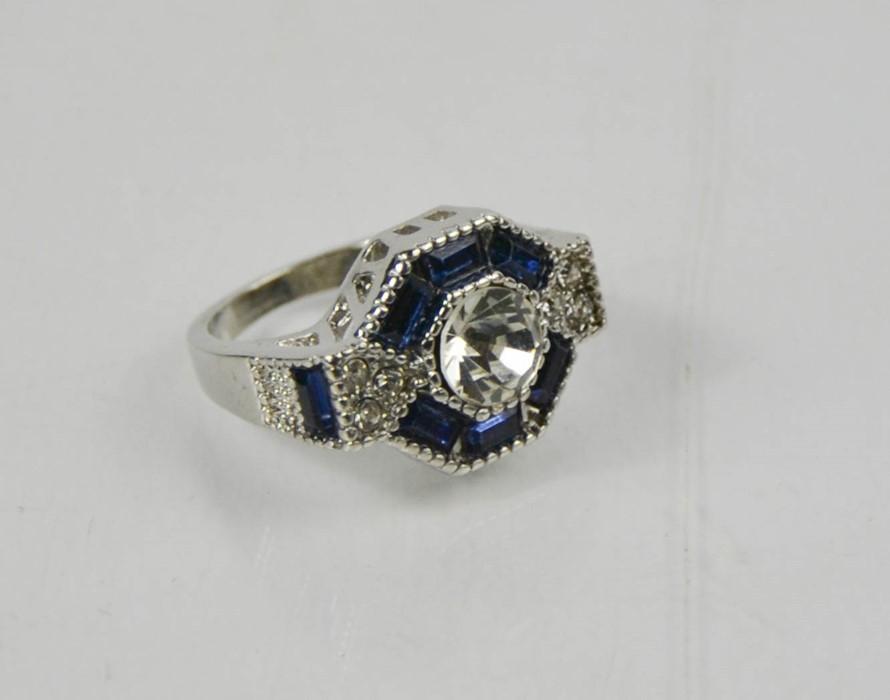 A blue hexagonal form dress ring, size L, 6.52g.