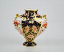 A Royal Crown Derby vase date code 1940, in Old Imari pattern, 9.5cm high.