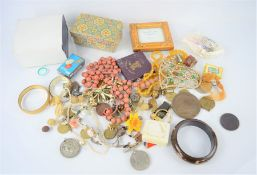 A group of vintage jewellery and collectables to include WWII medals, coins, earrings etc