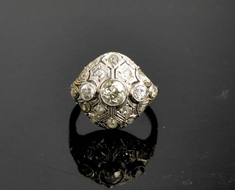 Jewellery, Silver, Fine Ceramics, Furniture & Antiques
