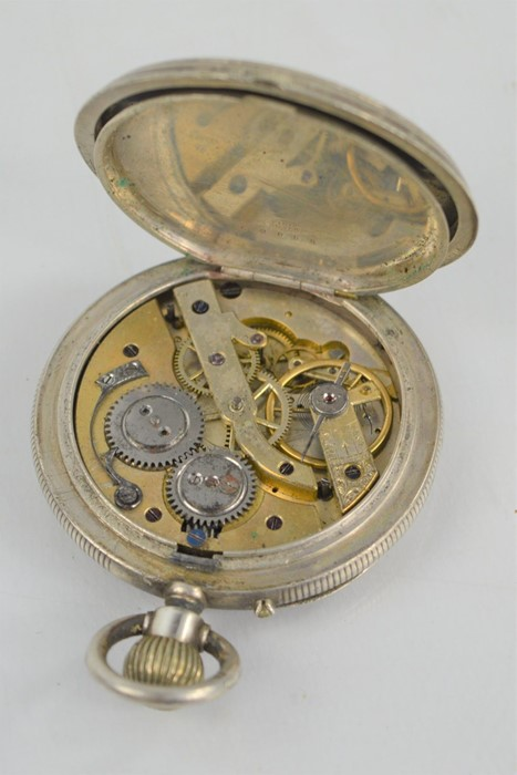 A 19th century silver pocket watch with Roman Numeral dial - Image 3 of 3
