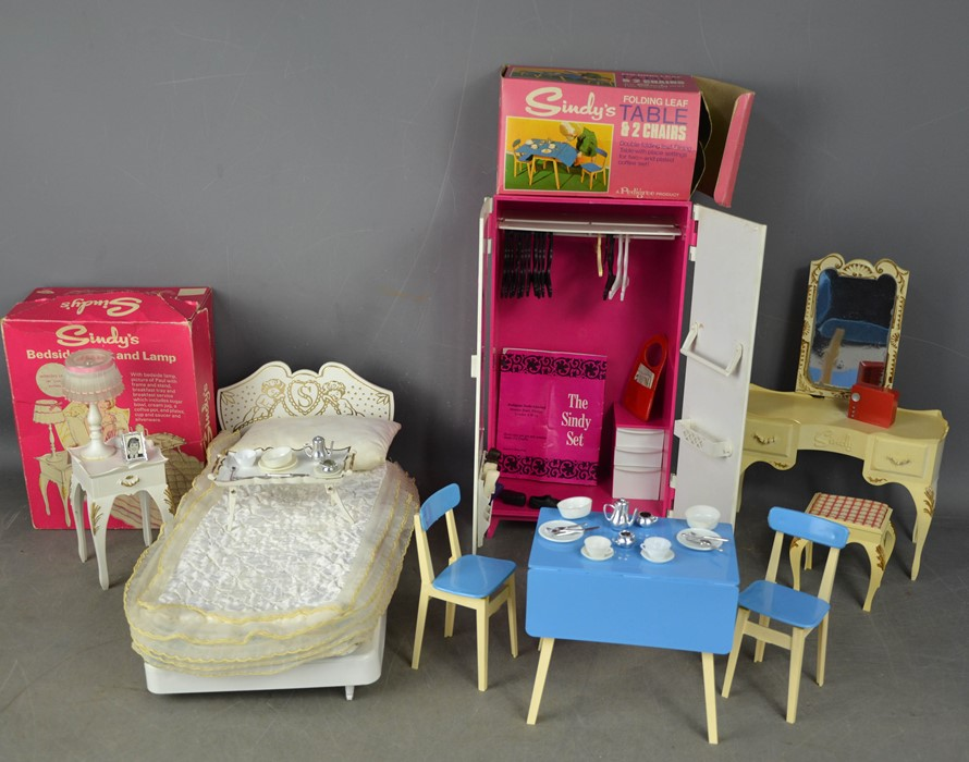 A group of vintage Sindy examples, to include wardrobe, bedside table and lamp (with original