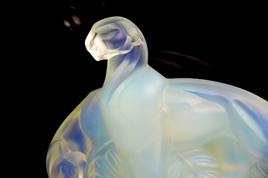 A Sabino Art glass opalescent panther group. 15.5cms tall - Image 3 of 4