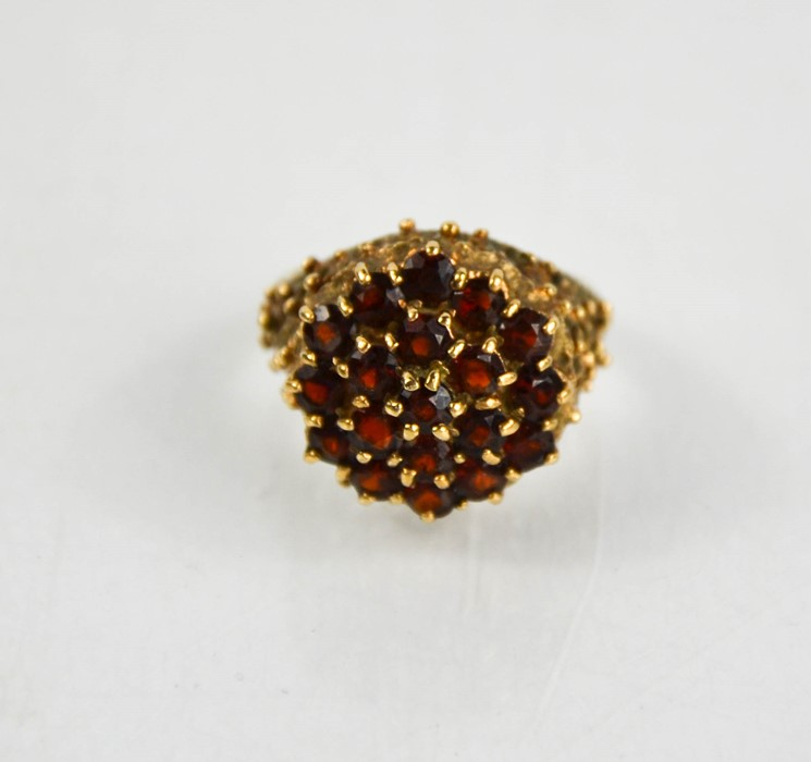 A 9ct gold and garnet cluster ring, size N, 7.4g. - Image 2 of 2
