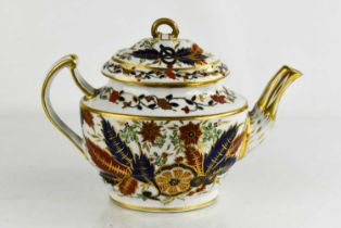 An early Chamberlain Worcester tea pot, with red/blue and scrollwork foliage with gilded highlights,