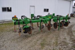 7-shank John Deere 2100 inline ripper, 3pt, leading coulters, shin guards, depth wheels, lights,