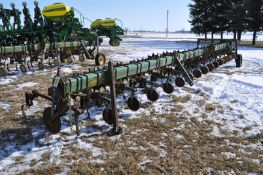 "16 row x 30"" John Deere row crop cultivator, 3pt, end transport"