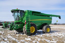 John Deere S680 combine, 1250/50R32 drive tires, 750/65R26 rear tires, PWRD, yield monitor, poly