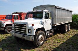 "1985 International S1900 grain truck, DT466, 7 spd, 226"" WB, tandem axle, roll tarp, spring ride"