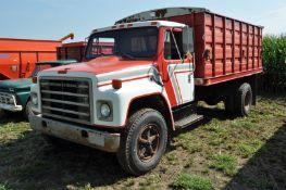 1982 International S1700 grain truck, IH gas 345 V-8 engine, 5 + 2 spd, 188 WB, single axle