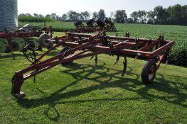 13' International 5500 chisel plow, 10 shank, pull type, hyd lift, SN 0190887C005939