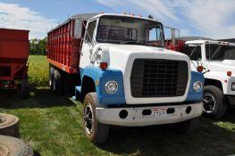 """1979 Ford 900 grain truck, Ford Big Block V-8 gas, 2 stick, H/L/D + 5 spd, tandem axle, 225"""" WB"""
