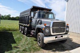 1975 Ford 8000 grain truck, 3208 CAT diesel, 2 stick H/L/D/OD + 5 spd, tandem axle
