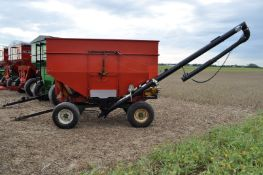 250 bu gravity seed wagon, 15' J & M poly cup auger, electric shut off, Auger Mate power unit