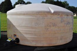 1000 gal flat bottom poly tank